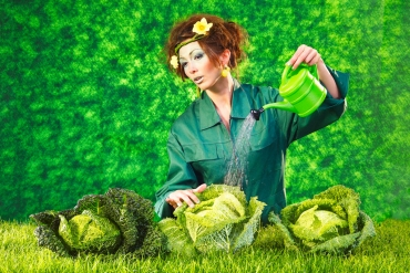 DON´T PLAY WITH FOOD - GREEN # 1 © Hans Keller